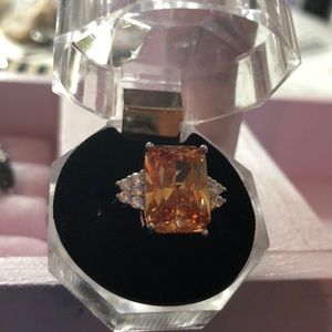 Jewelry - Champagne colored Morganite on silver plated ring